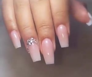 rose and ongle image