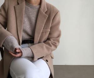 casual, minimalism, and laroom store image