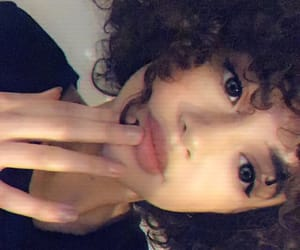 aesthetic, curly hair, and girl image