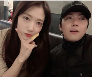 idols, lee hongki, and park shin hye image