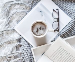 aesthetic, bedroom, and book aesthetic image