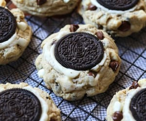 dessert, chocolate, and cookie image