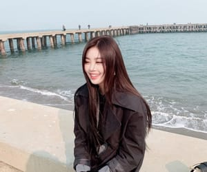 soojin, (g)i-dle, and kpop image