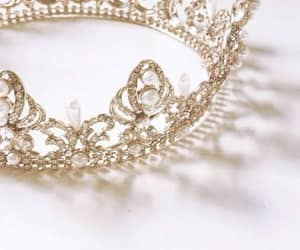 aesthetic, crown, and gold image