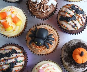aesthetic, cakes, and spider image