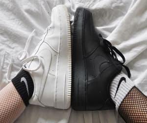 So do you like black or white?❤👟