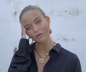 jewerly, tanned, and josefinehj image