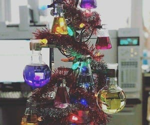 christmas, chemistry, and tree image