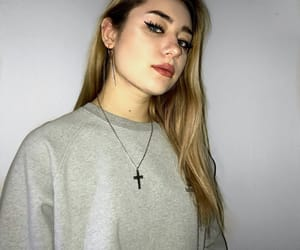 aesthetic, blonde, and sweater image