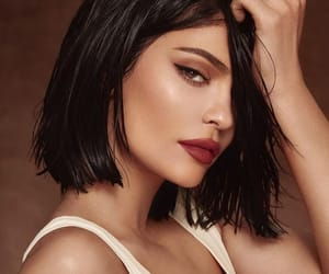 kylie and kkw image