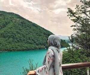 hijab, fashion, and hijâbi image