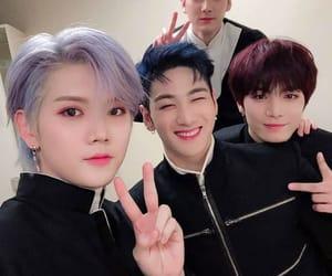 JR, ren, and nuest image