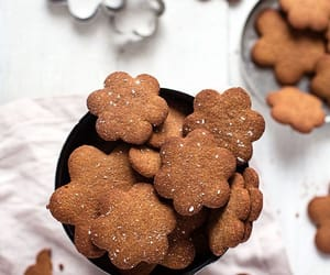 claus, gingerbread, and yummy image