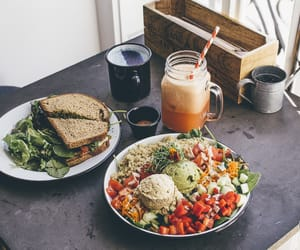 eight, lisboa, and restaurante image