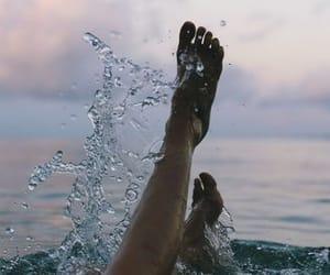 aesthetic, body, and feet image