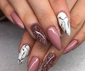 amor, manicure, and belleza image