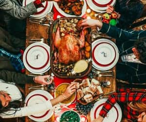 christmas, table setting, and family and friends image