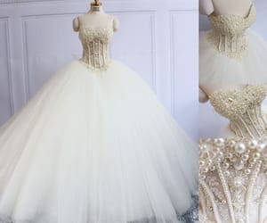 sweetheart wedding dress, ivory wedding dress, and tulle wedding gown image
