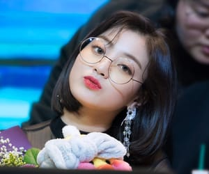 korean, kpop, and twice image