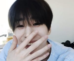 seungwoo image