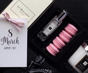 gift, present, and jo malone image