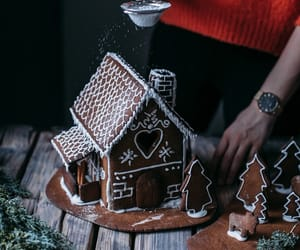 bread, ginger, and ginger bread house image
