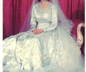 bridal, moda, and reina image