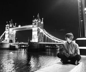 london, night, and bts image