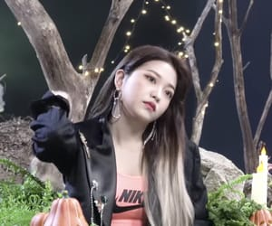 korean, kpop, and kim yeri image