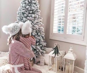 christmas, family, and mom image