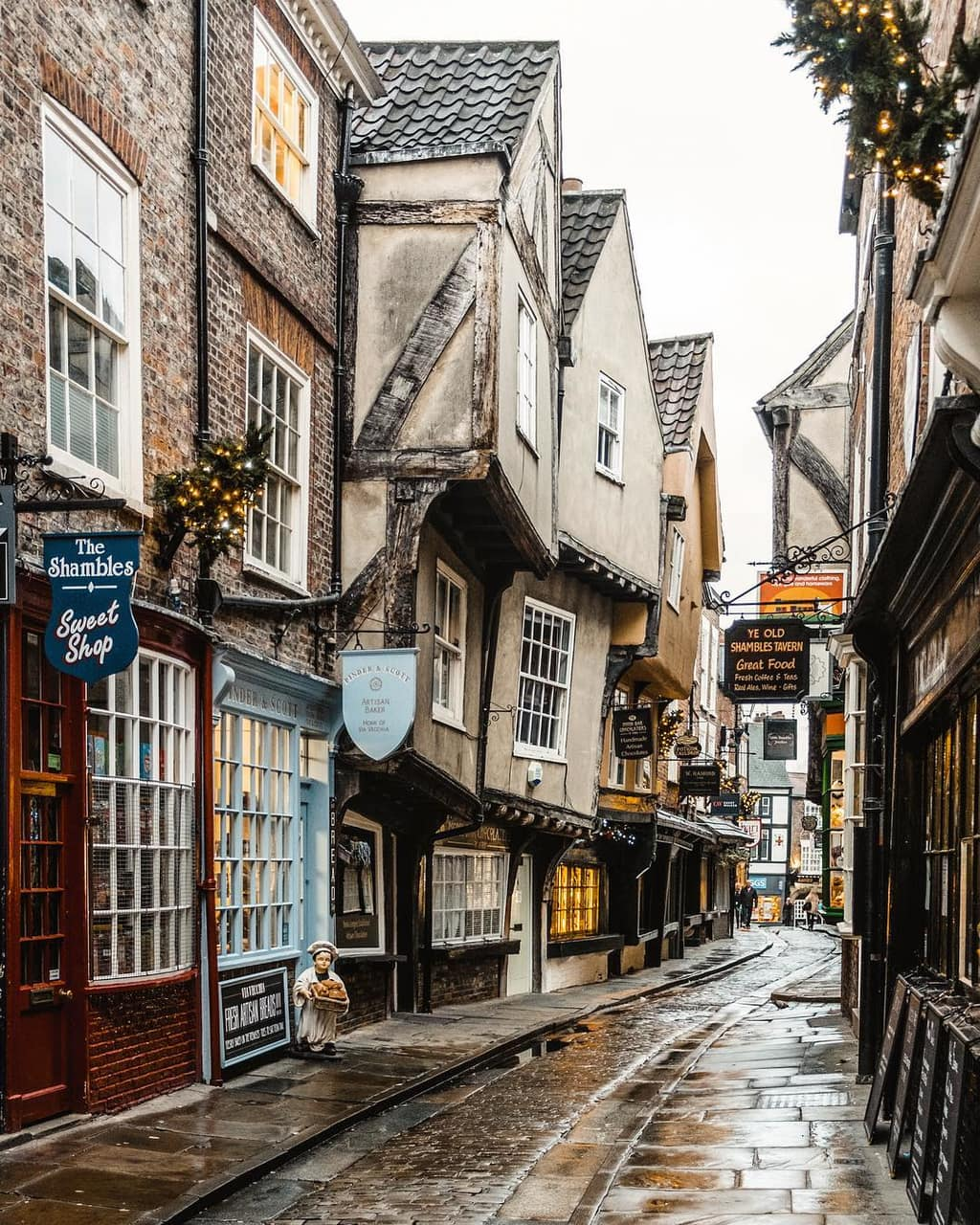 cobblestone, england, and harry potter image
