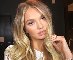 romee strijd and model image