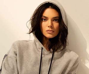 makeup, kendall jenner, and fashion image