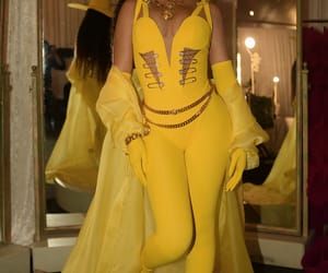 beyoncé and yellow image