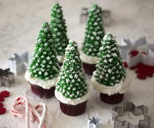 autumn, christmas, and cupcakes image