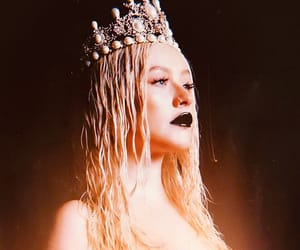 beauty, christina aguilera, and Queen image