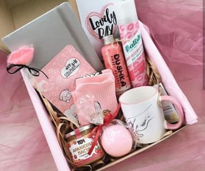 creative, gift, and gift box image