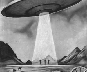 aliens, spaceships, and ufos image
