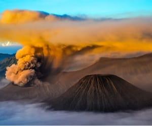 belleza, volcán, and naturaleza image