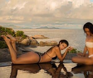 amizade, beach, and brunette image