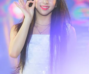 korean, kpop, and chaeyoung image