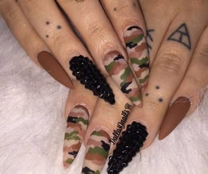 nails and camouflage image