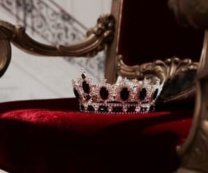 red, crown, and Queen image