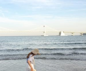 aesthetic, girl, and minimalist image