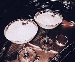 Cocktails and nightlife image