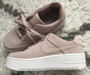 nike and airforceone image