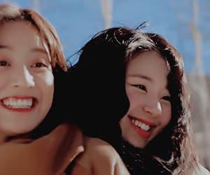 gif, jihyo, and chaeyoung image
