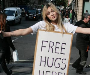 free hugs and sign image