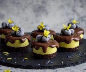 Mango chocolate cupcakes
