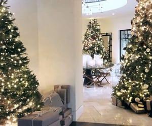 kourtney kardashian, christmas, and house image